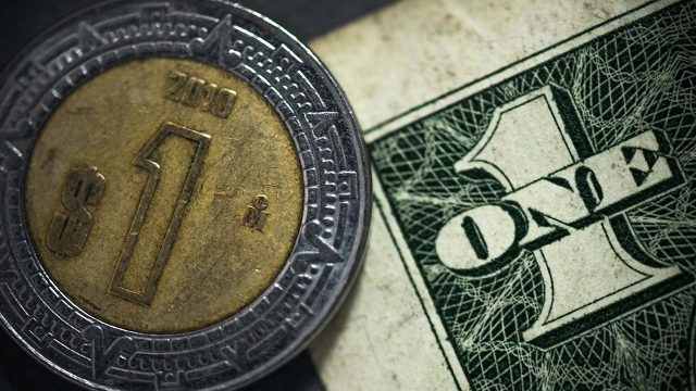 Devaluación del peso frente al dólar, ¿los datos que circulan en redes sociales son ciertos?
