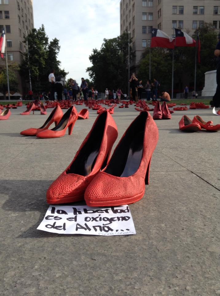 Zapatos rojos contra la impunidad