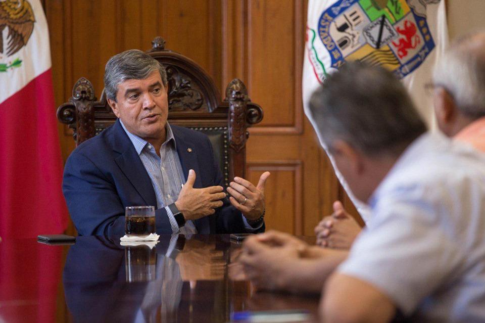 FALSO que no exista problema con el agua en NL como dice el secretario Manuel González