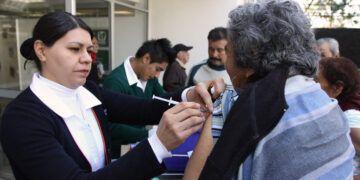 91015036. Ciudad de México, 15 Oct 2019 (Notimex-Especial).- El Instituto Mexicano del Seguro Social (IMSS) aplicará 10 millones 802 mil 118 dosis de vacunas contra la influenza a los derechohabientes, enel periodo del 14 de octubre de este año al 31 de marzo de 2020. Ciudad de México, 15 de octubre de 2019. NOTIMEX/FOTO/ESPECIAL/COR/HTH
